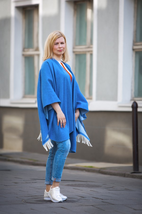 Blue Wool Poncho With Cashmere