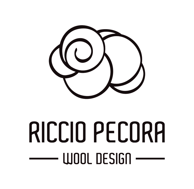 Riccio Pecora - High quality woolen, silk and linen products. Ponchos, shawls, blankets and throws.
